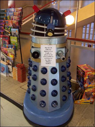 Old Age Dalek, Waterstones, Piccadilly, December 8, 2008