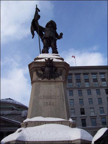 Maisonneuve statue, old Montreal