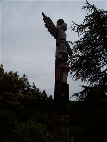 Totem pole, Butchart Gardens