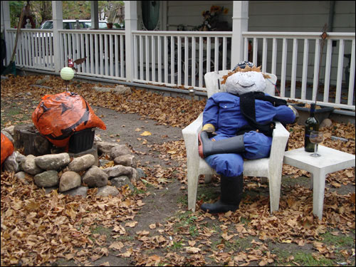 Halloween decorations, Erin side street