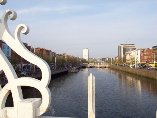 Ha'penny Bridge, Dublin, May 2008