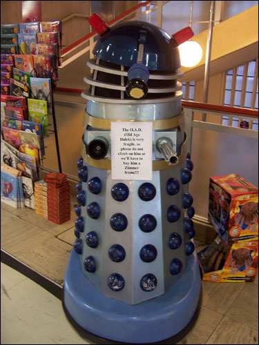 Old Age Dalek, Waterstones, Piccadilly, December 8, 2008